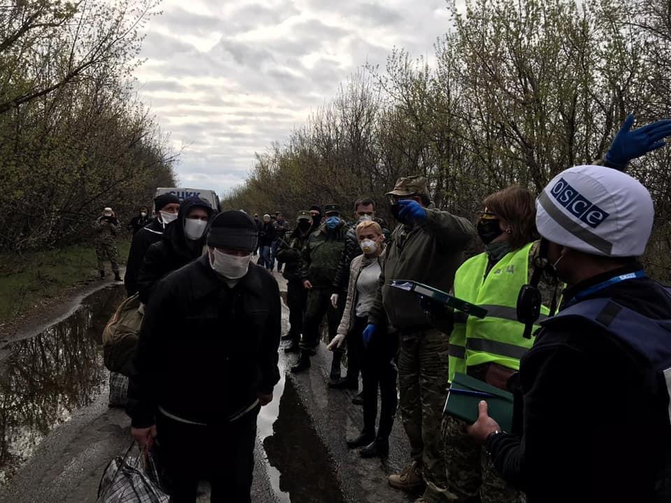 Украина освободила 20 своих граждан, удерживаемых в неволе в ОРДЛО / ОП