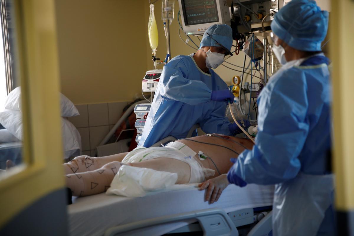 Сколько стоит вылечиться от коронавируса / фото REUTERS