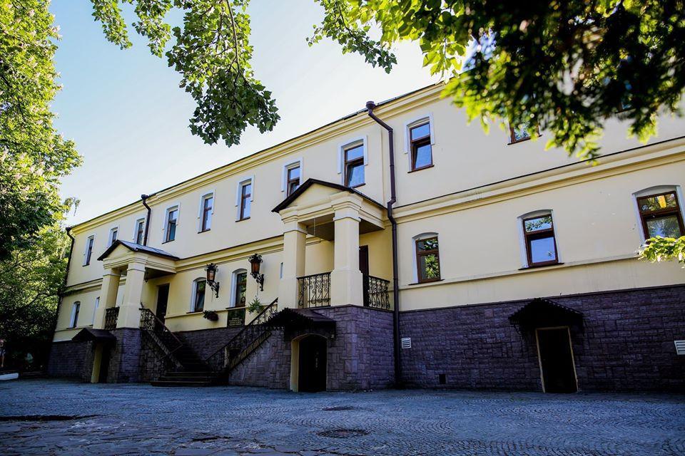 Среди инфицированных трое преподавателей и 16 студентов / фото: Киевская духовная академия