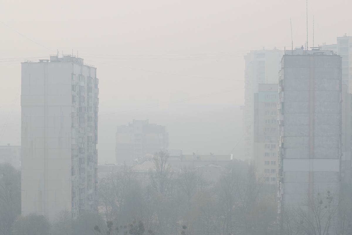 Несколько районо в Киеве накрыло дымом / фото REUTERS