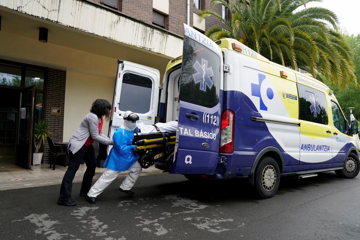 В Испании снова растет смертность от коронавируса / Иллюстрация REUTERS