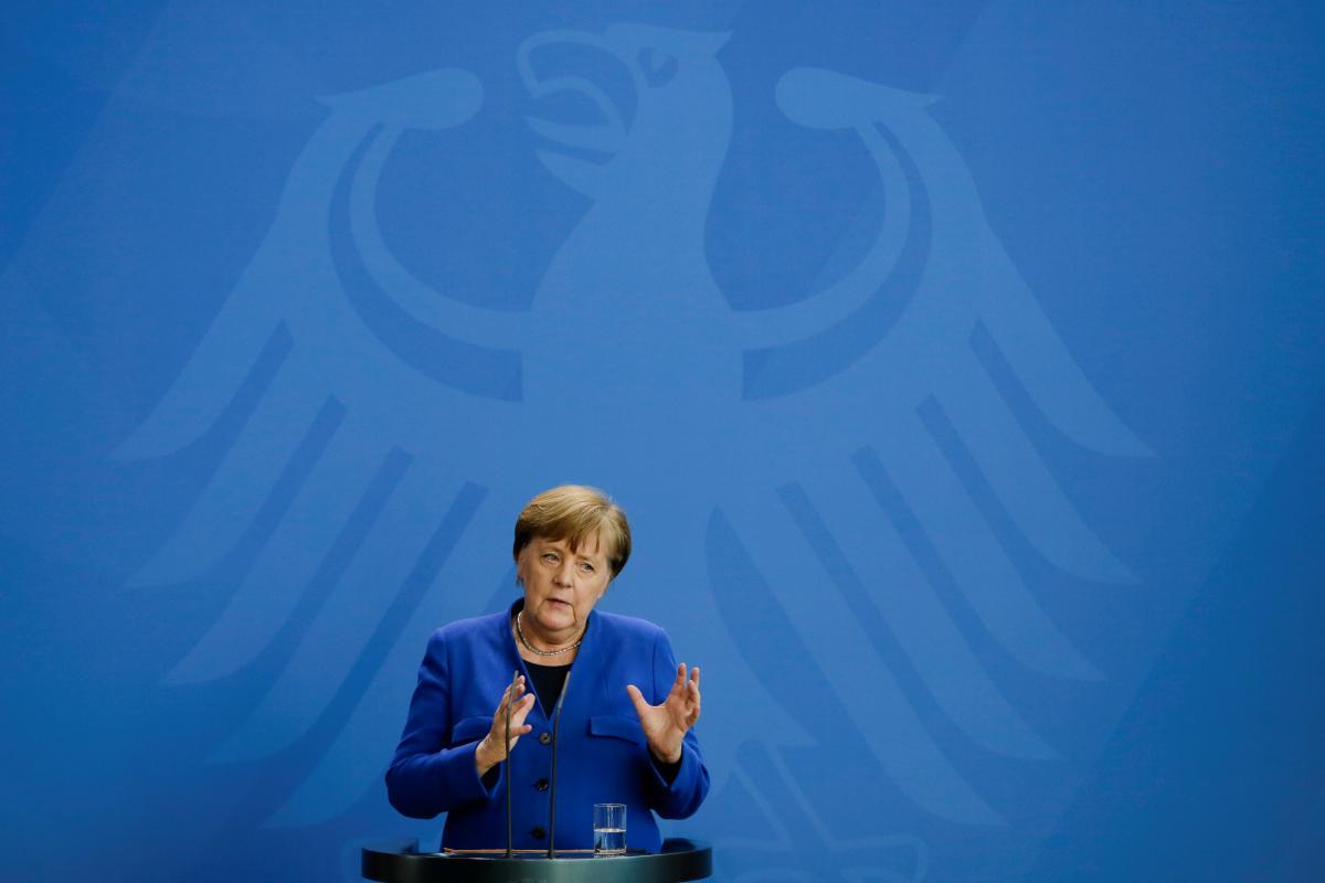 """Меркель предупредила Путина, что военное вторжение в Беларусь """"усложнит"""" дела / фото REUTERS"""