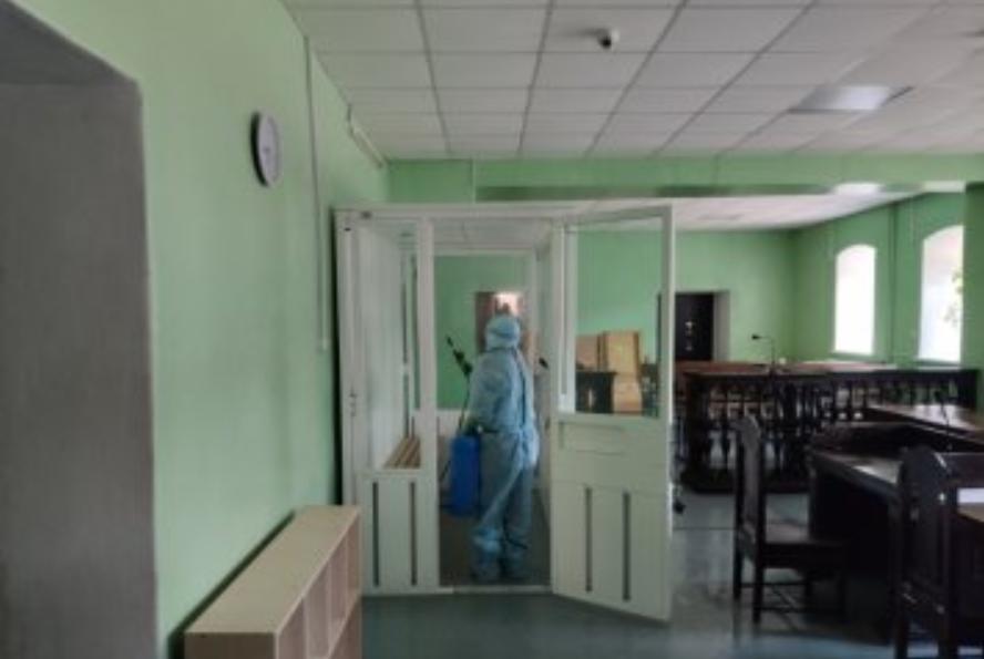Черниговский суд закрыли на дезинфекцию / cn.cn.court.gov.ua