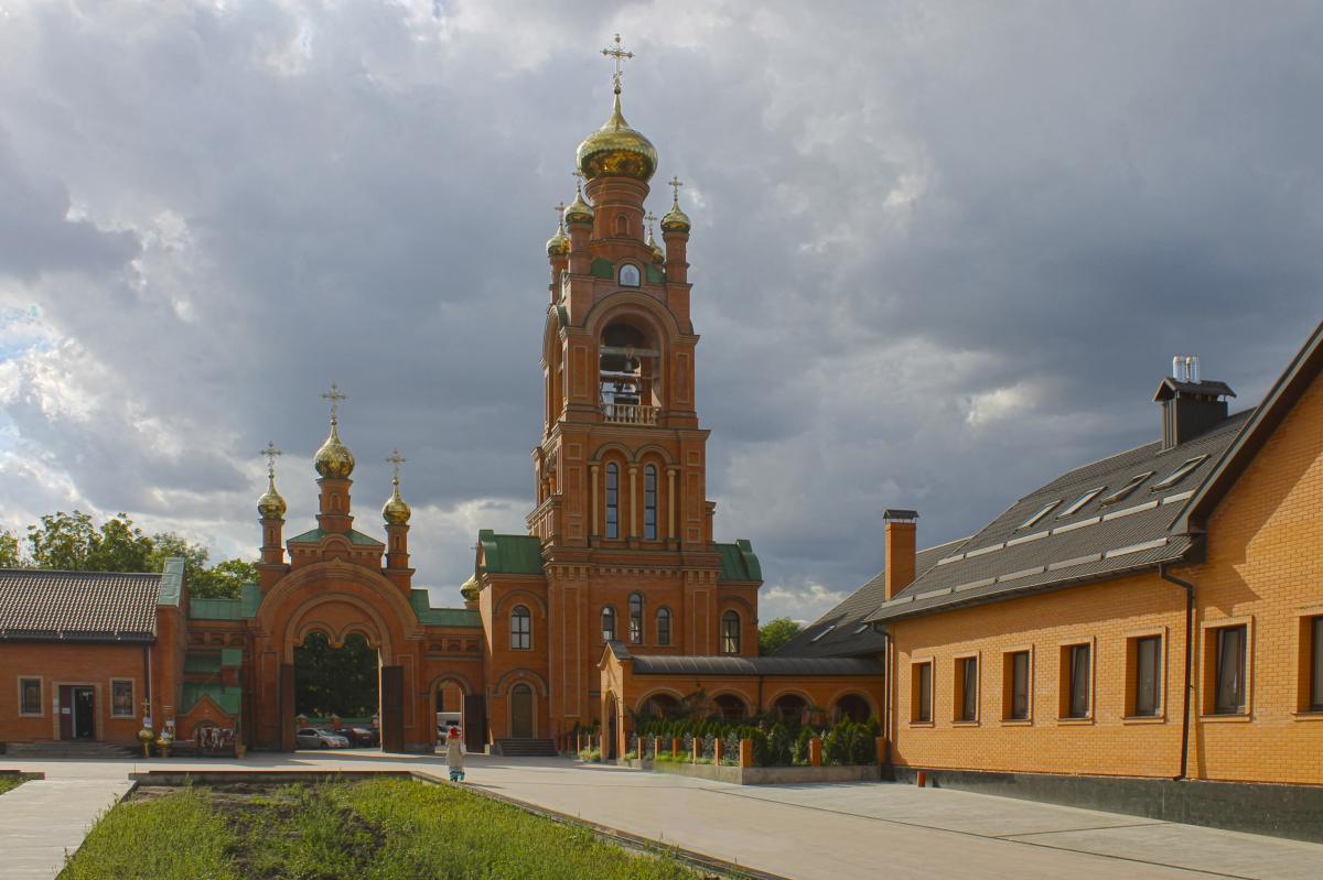 Покровский Голосеевский мужской изолировали из-закоронавируса / фото: wikipedia.org