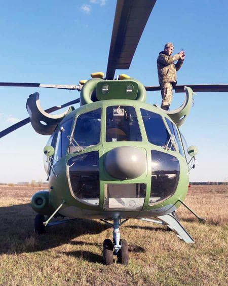 Ми-8 совершил посадку на одном двигателе / фото facebook.com/GeneralStaff.ua