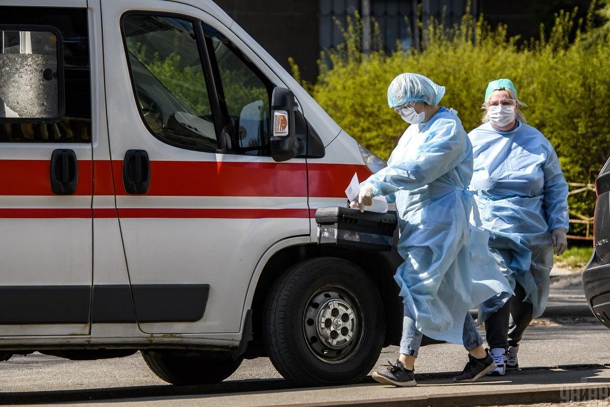 Более 850 человек подхватили коронавирус на Киевщине / фото УНИАН