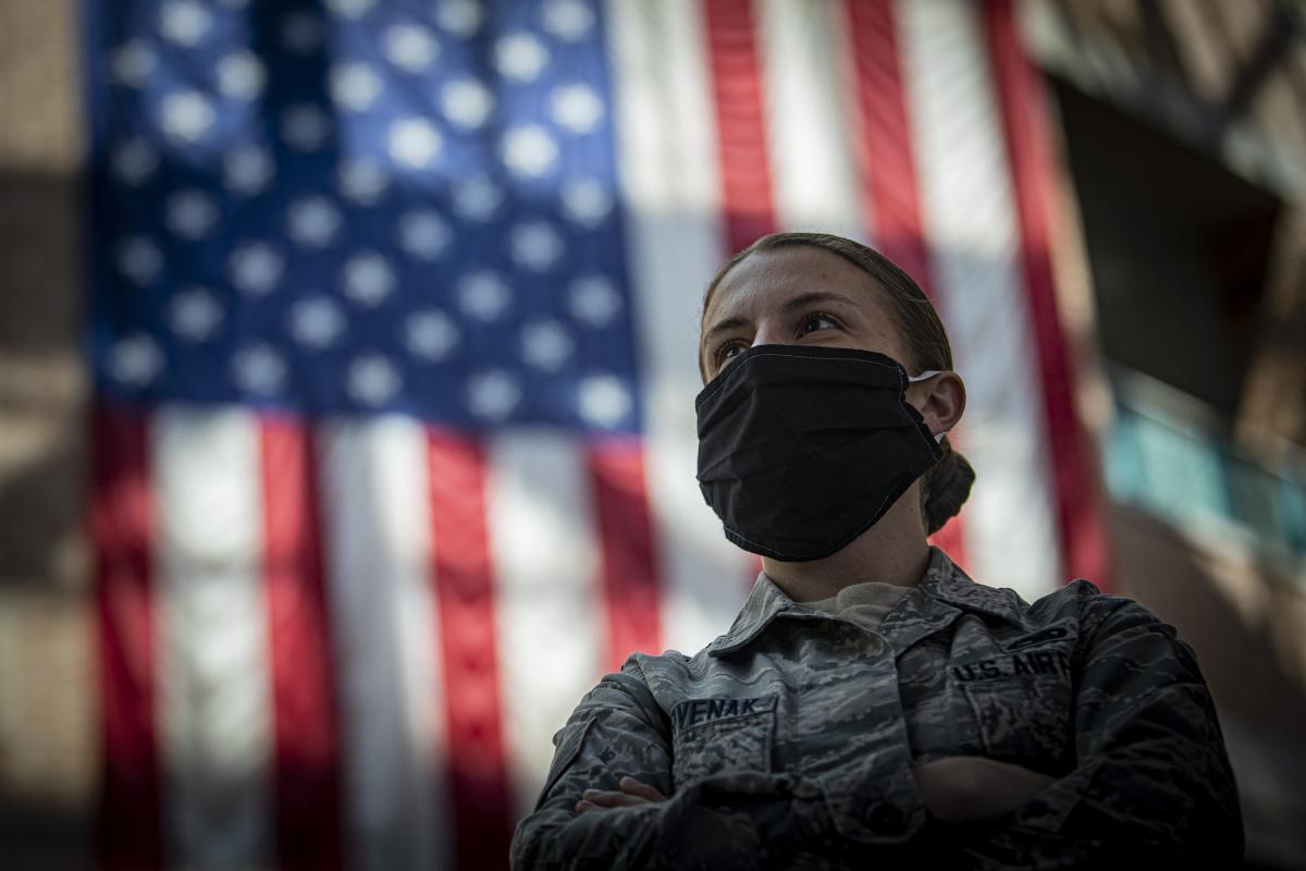 Ефект від носіння масок спостерігався через 20 днів після введення обмеження / фото Flickr / the National Guard