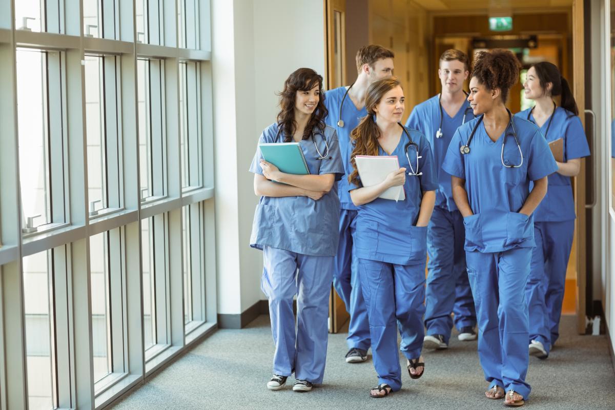 Сейчас нет потребности в привлечении студентов-медиков к борьбе с COVID-19 / фото ua.depositphotos.com