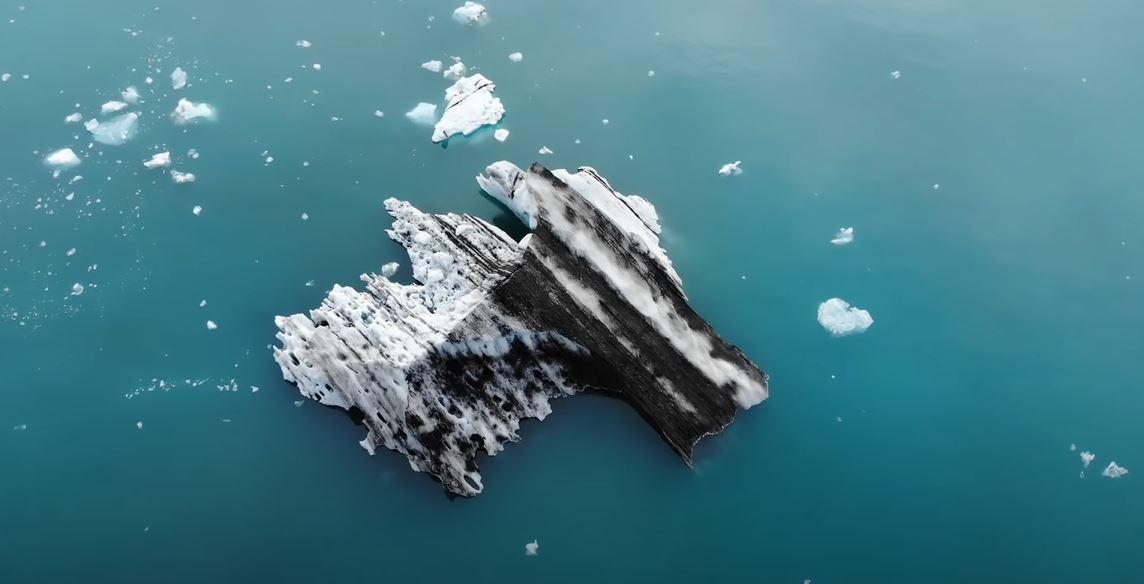 Ледник занимает 10 процентов территории страны / 1+1