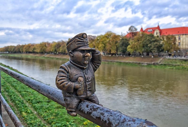 Мини-скульптура бравого солдата Швейка / фото из Интернета