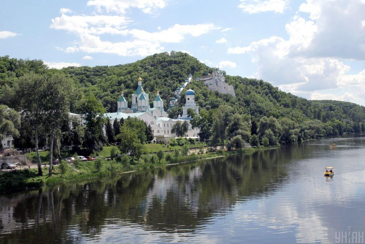The Sviatohirsk Lavra monastery is located in Ukrainian-controlled part of Donetsk region / Photo from UNIAN