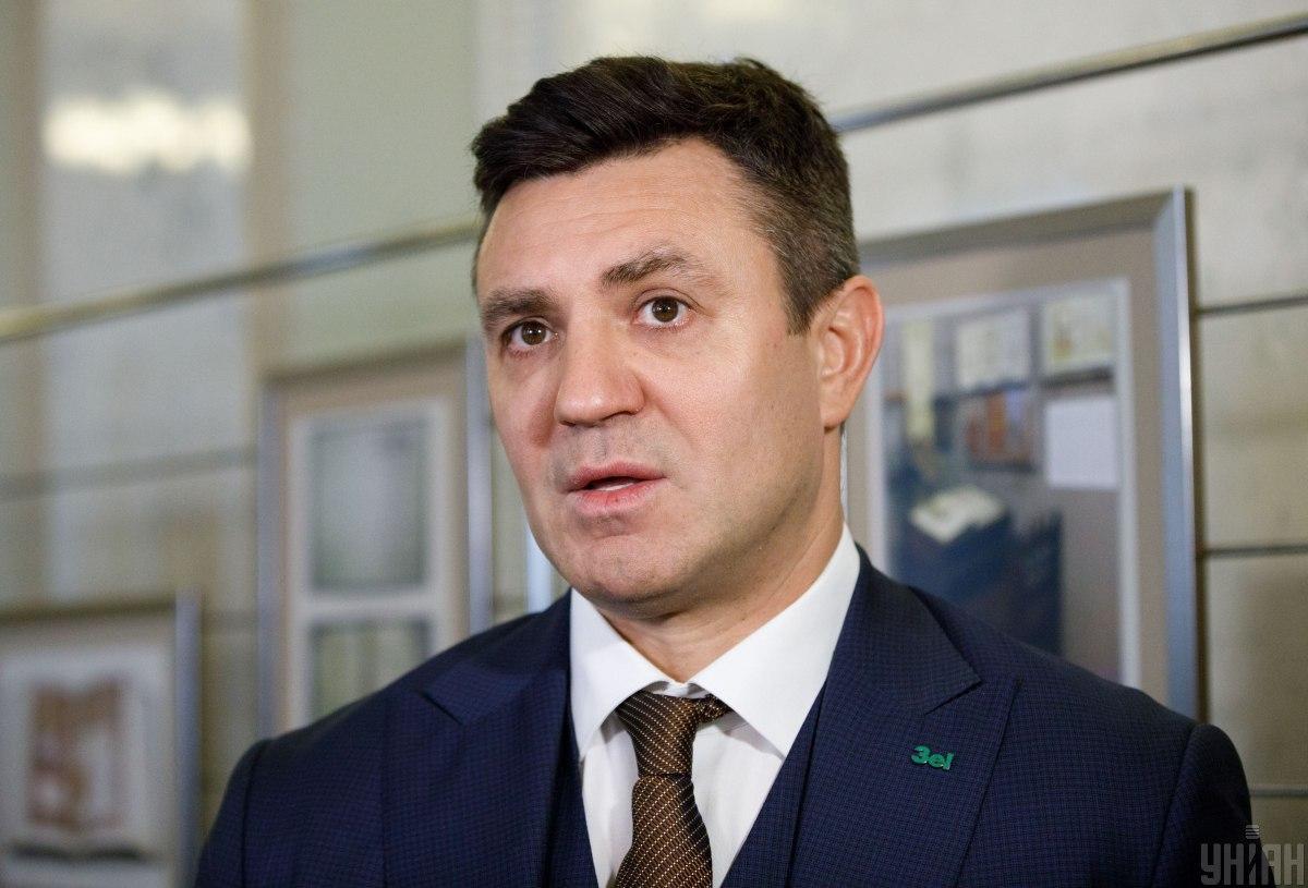 Николай Тищенко пообещал вернуться в Ужгород и проверить, достроен ли туалет / фото УНИАН