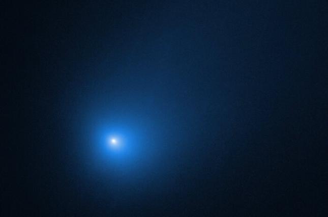 Межзвездная комета потеряла в Солнечной системе 230 миллионов литров воды / фото spacetelescope.org
