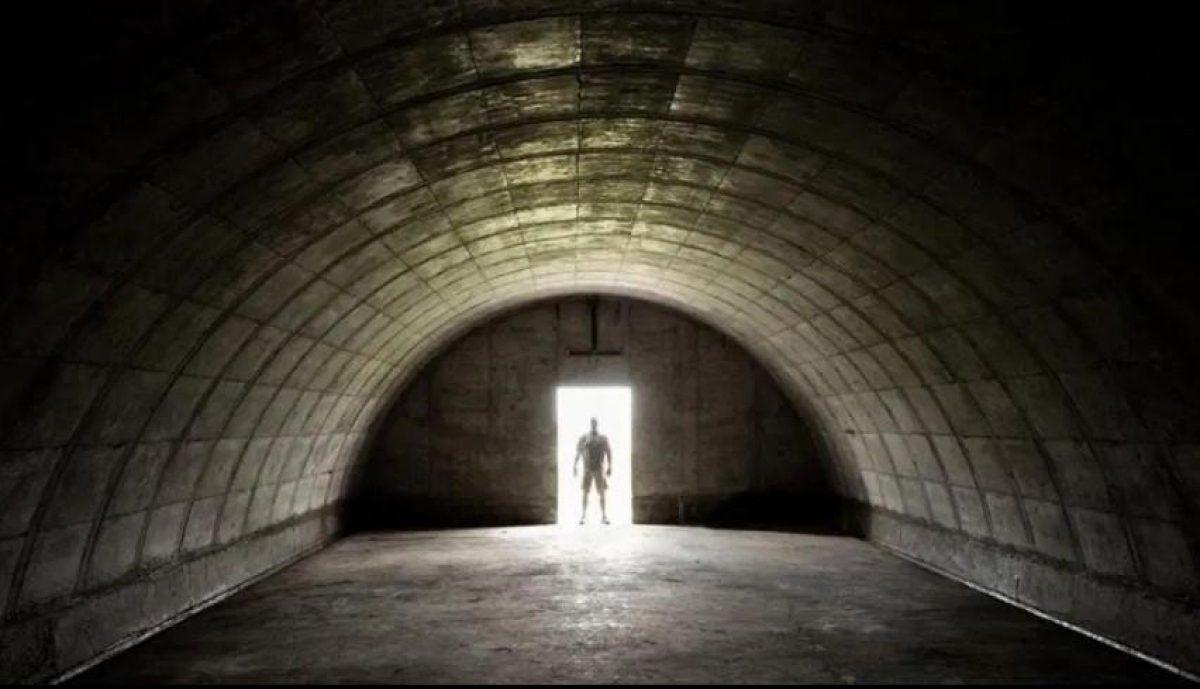 Она спряталась в бункере (20 фотографий)