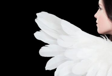 День ангела Світлани: яскраві листівки та красиві привітання з іменинами