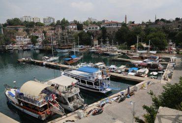 На найбільшому турецькому курорті проводитимуть рейди через коронавірус