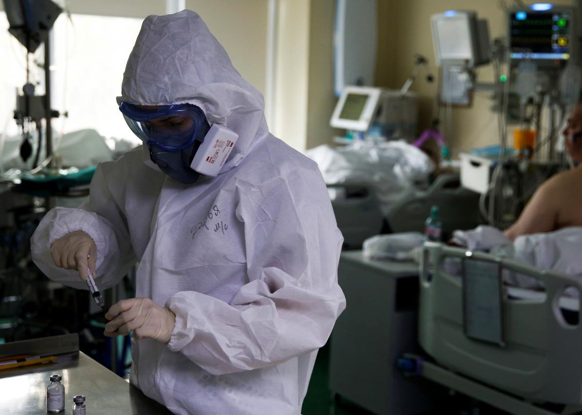 Ситуація з коронавірусом в Україні та світі / REUTERS