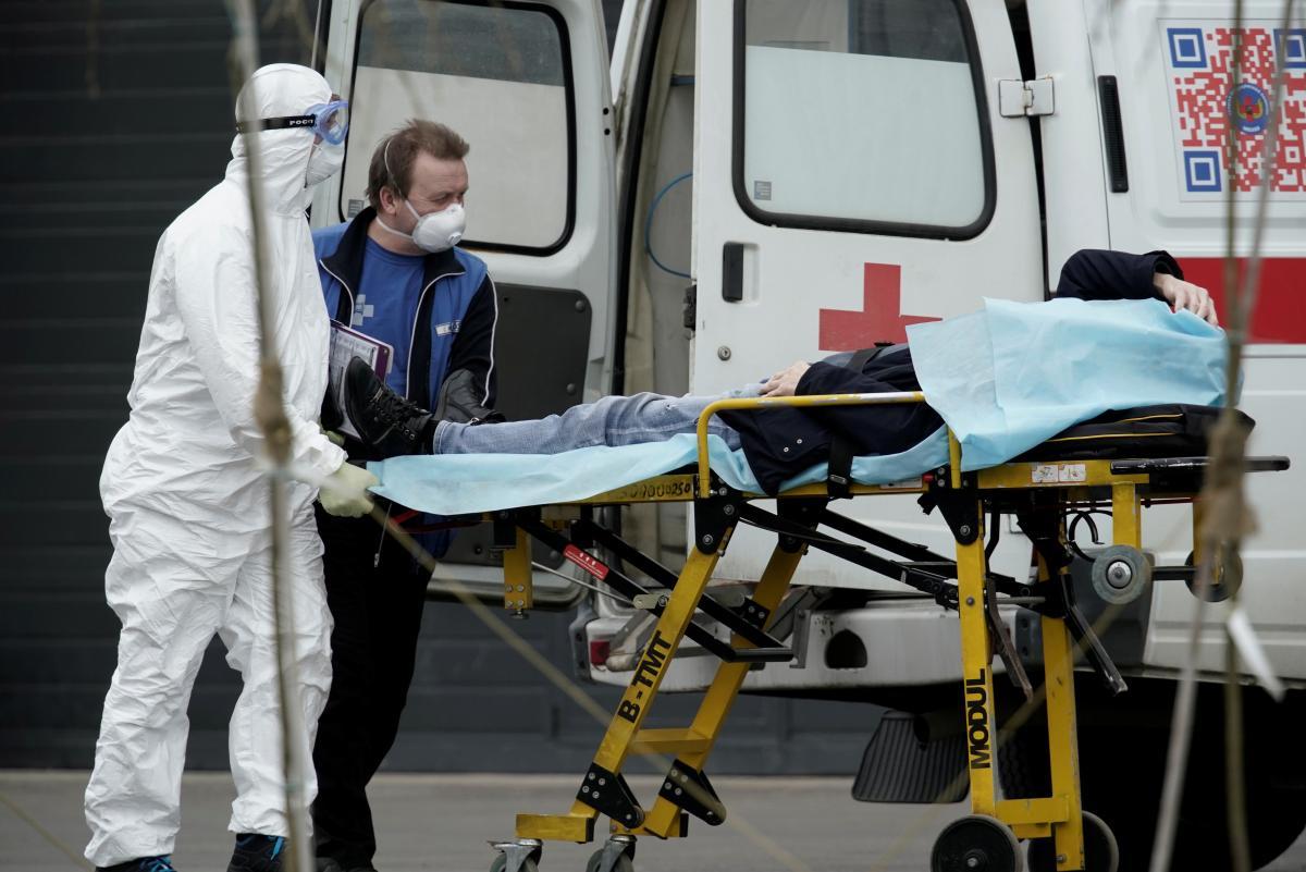 В Украине за сутки выявлено 10 811 новых случаев COVID-19 / иллюстрация REUTERS
