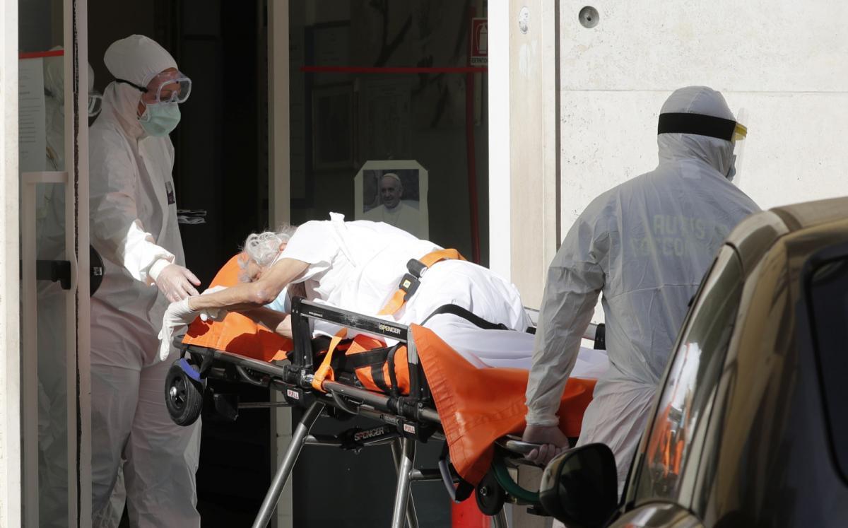 Итальянка трижды заразилась коронавирусом \ фото REUTERS