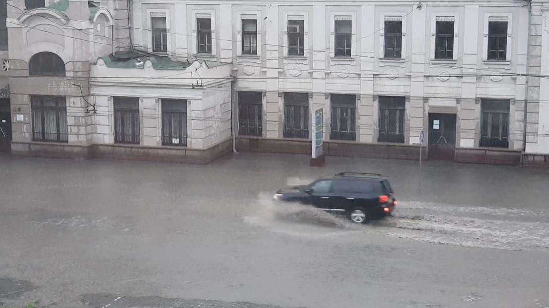 Черновцы страдают от непогоды / фото УНИАН