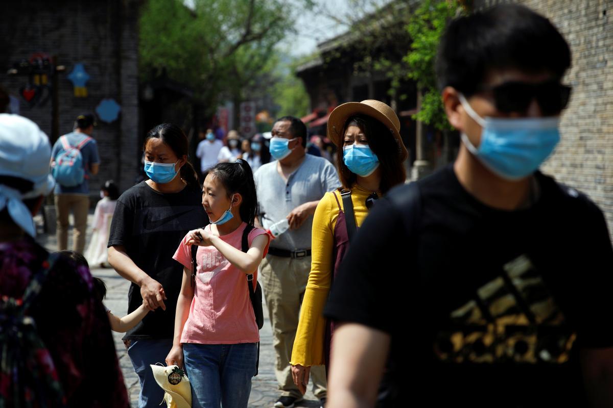 В Китае проведут масштабное тестирование населения / REUTERS