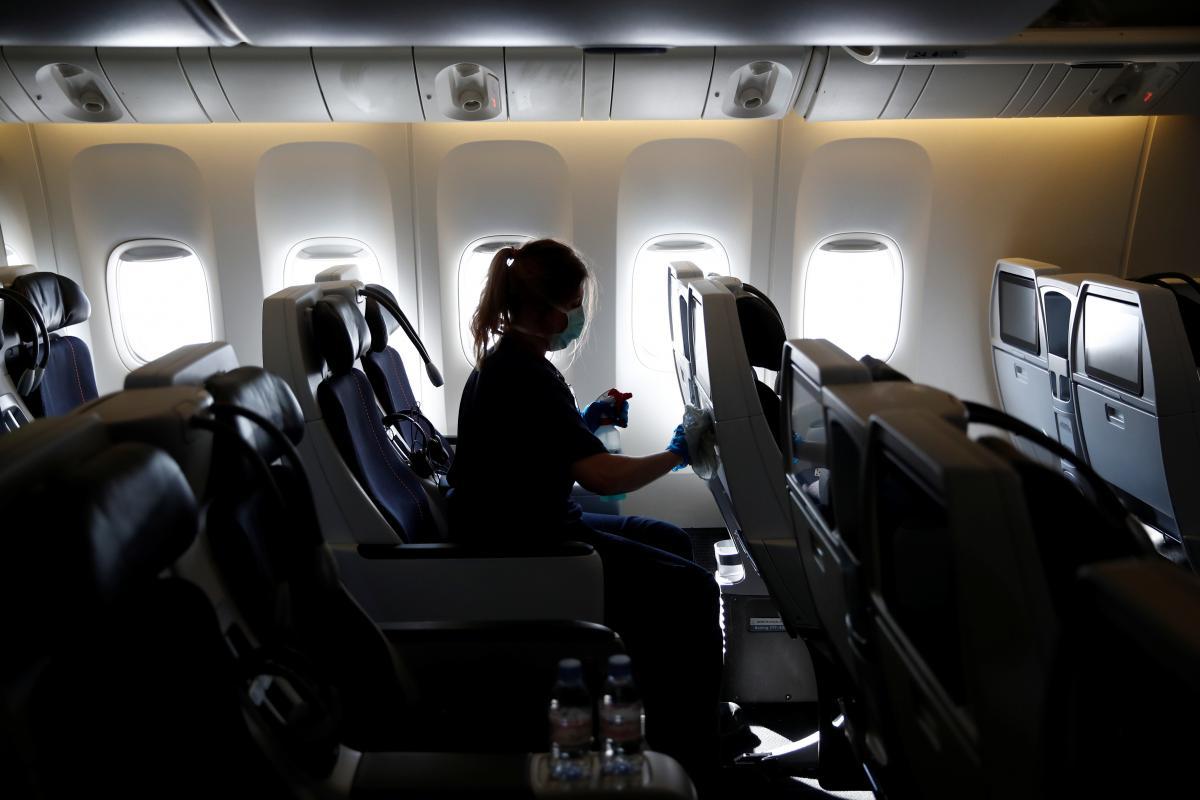 Медик назвал безопасный для коронавируса транспорт / фото REUTERS