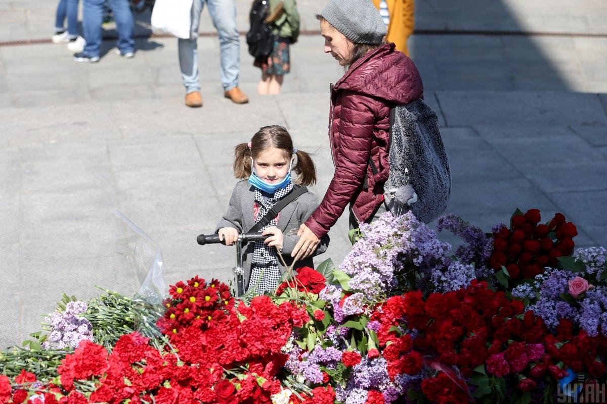 31% опитаних вважає, що Україна має відзначати лише День перемоги / ФотоУНІАН