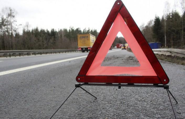 ДТП под Львовом - столкнулись легковушка и маршрутка с пассажирами, много пострадавших / pxhere.com