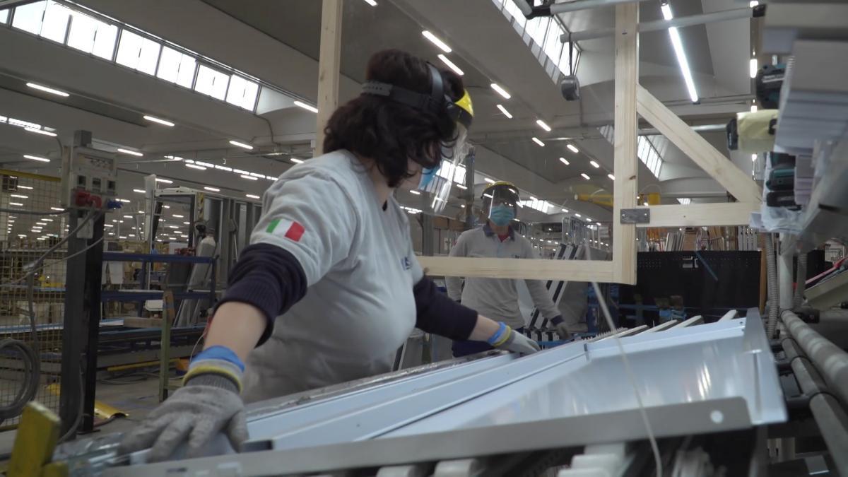 Експерти підрахували втрати робочих місць через COVID-19/ REUTERS