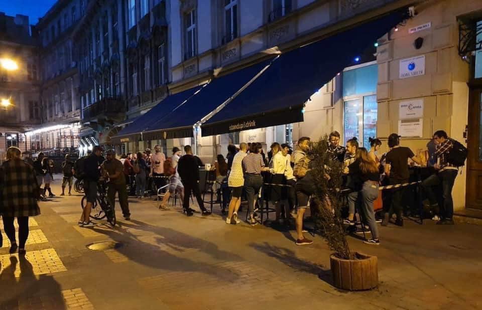 Нарушение карантина во львовском пабе / facebook.com/andriy.moskalenko