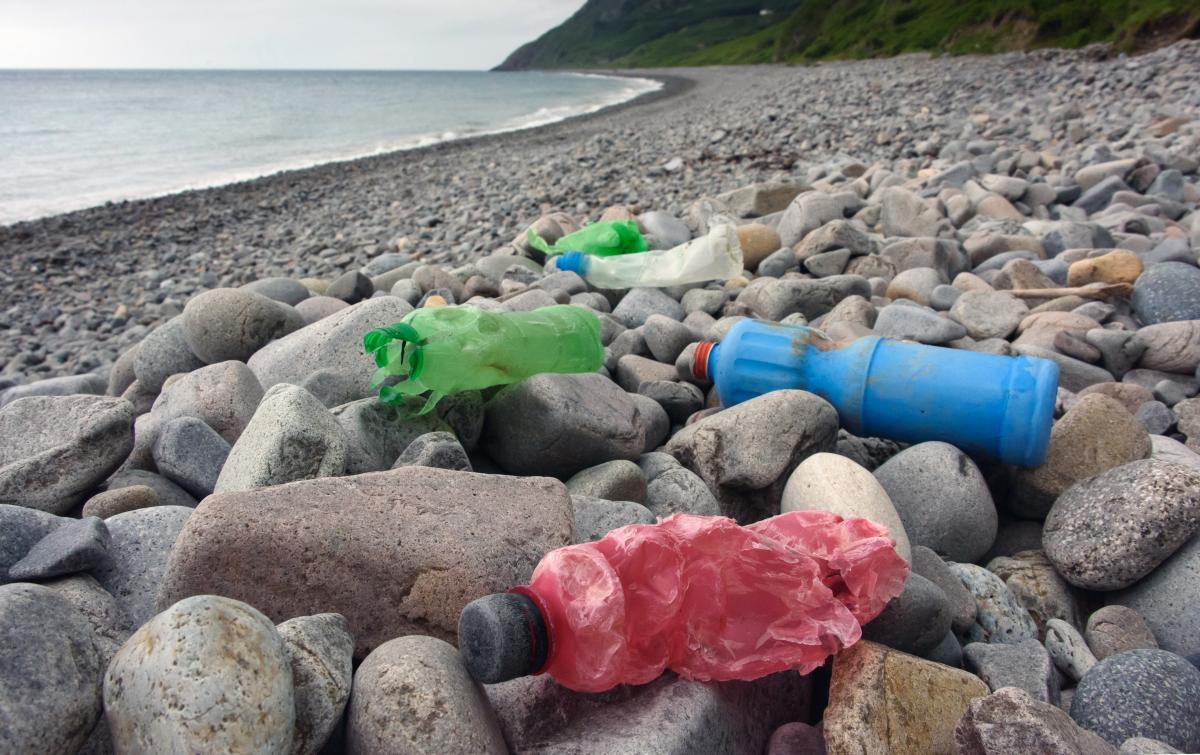 В ООН инициировали проект по предотвращению загрязнения мусором водоемов и очистке мирового океана от пластика / фото Depositphotos
