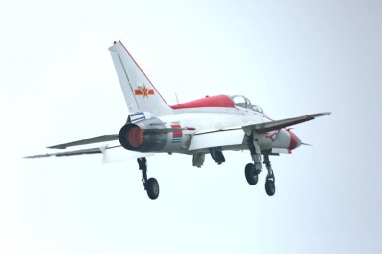 Китайцы испытали новый самолет / flightglobal.com