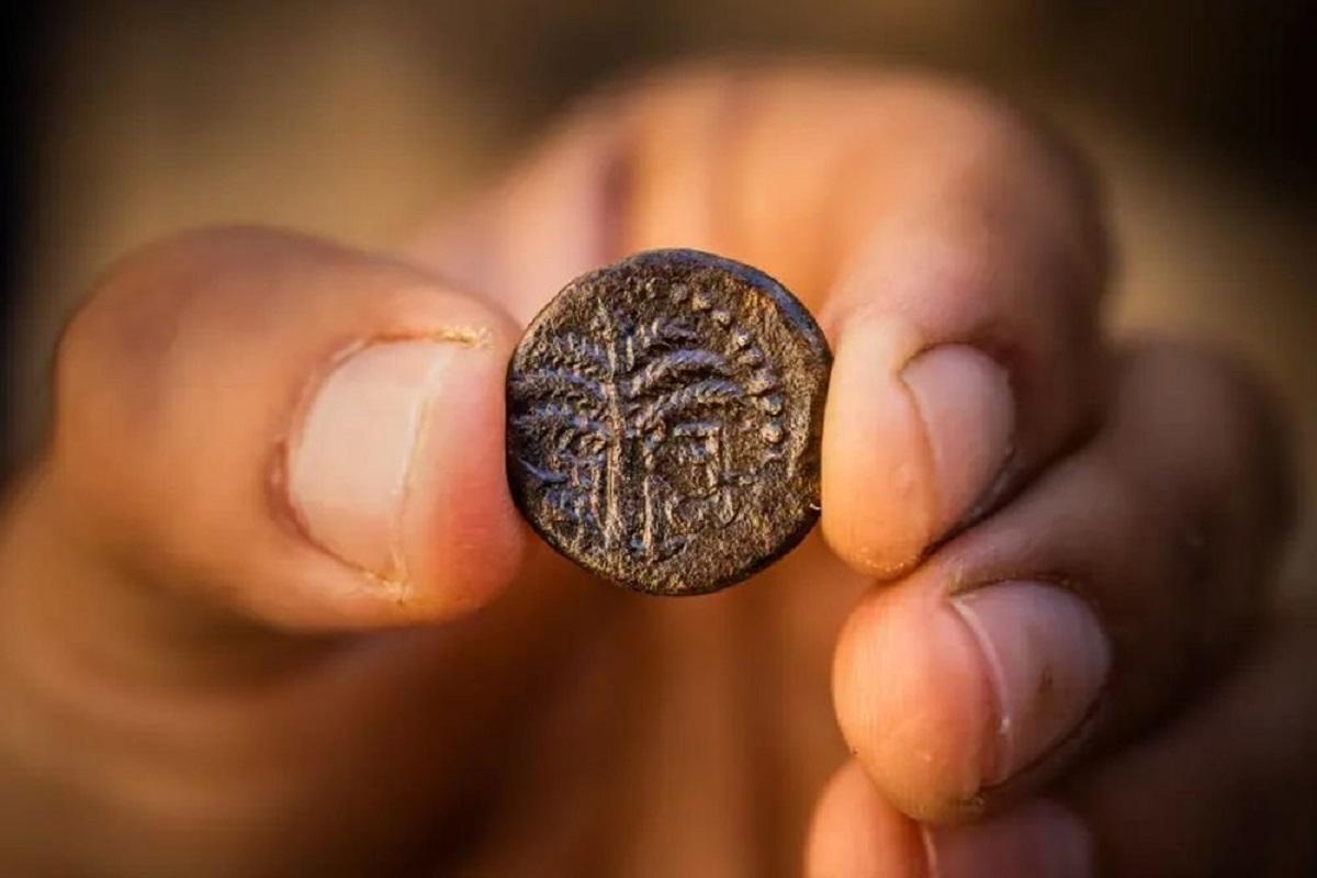 В последний раз такую монету находили 40 лет назад / Фото: Kobi Harati/City of David