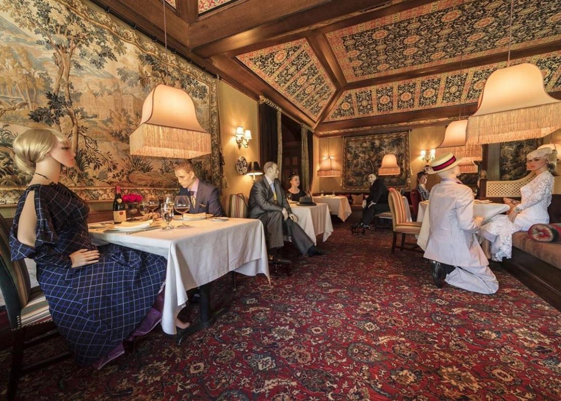 Відвідувачам ресторану будуть підсаджувати манекени/ Фото: Inn in Little Washington