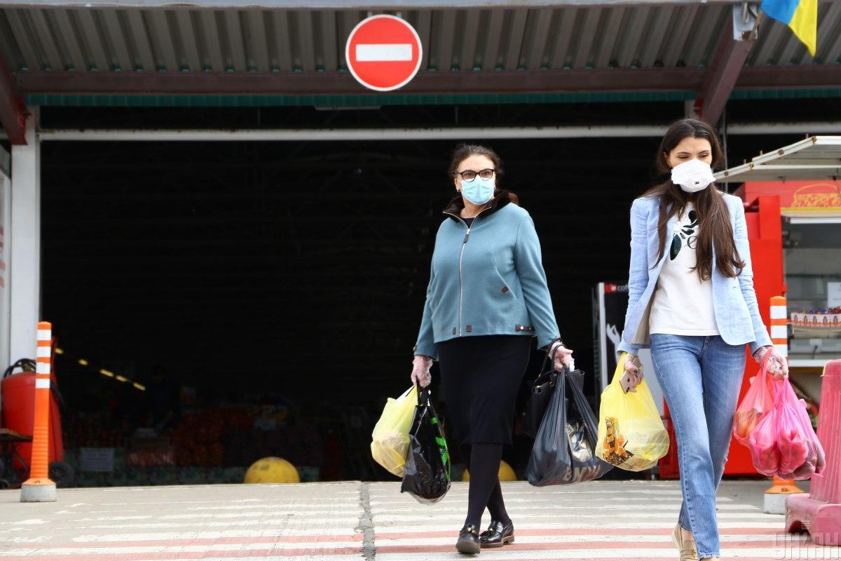 Количество больных на коронавирус вновь выросло / фото УНИАН