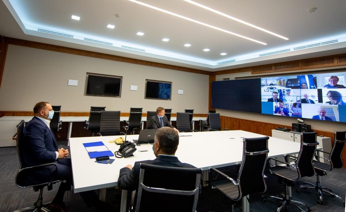 Руководитель Офиса Президента обсудил с послами стран G7 и ЕС Минский процесс и продолжение сотрудничества с МВФ / фото president.gov.ua