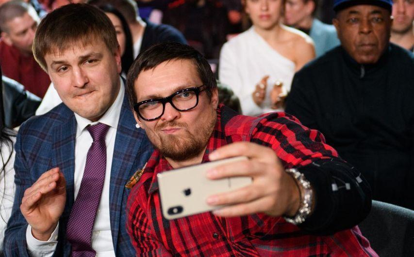 Александр Красюк и Александр Усик / фото: УНИАН