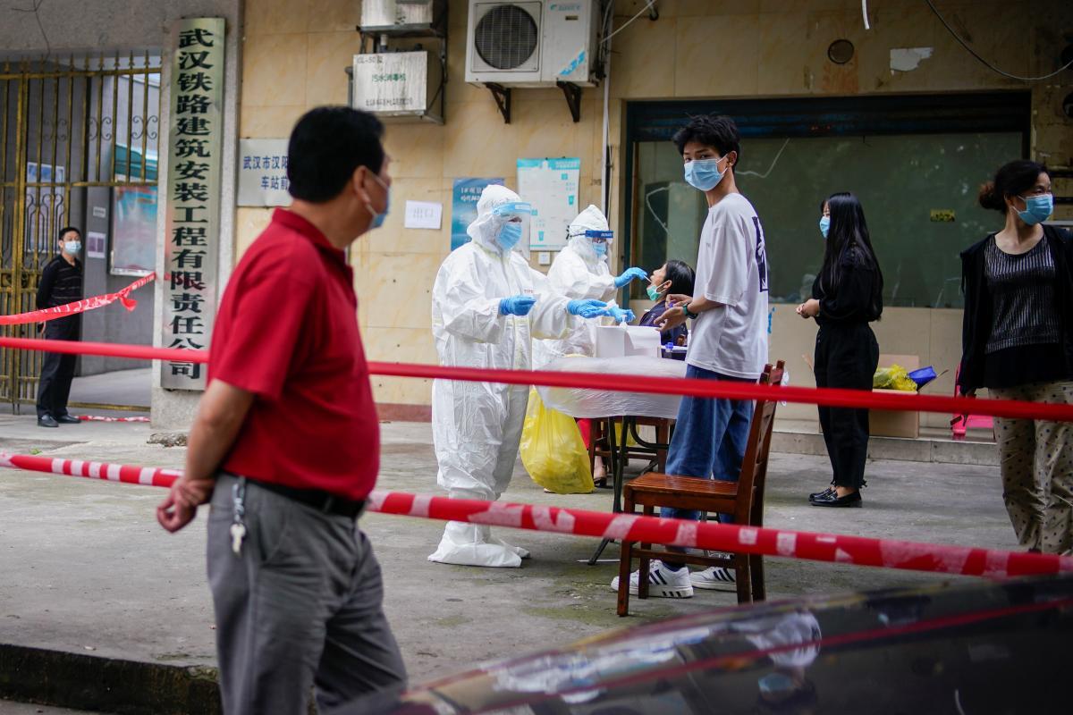 В Китае за время пандемии зарегистрировано 98,5 тыс. случаев заражения коронавирусом \ фото REUTERS