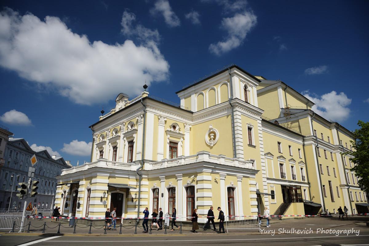 Театр імені Янки Купали -найстарішийтеатр країни / фото Yury Shulhevich