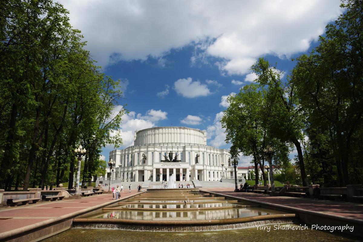 Театр опери та балету у Мінску / фото Yury Shulhevich
