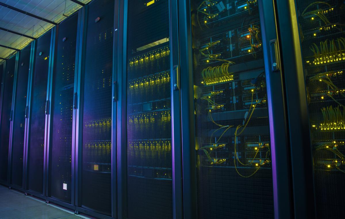 Хакеры взломали несколько суперкомпьютеров для майнинга криптовалюты / фото Depositphotos