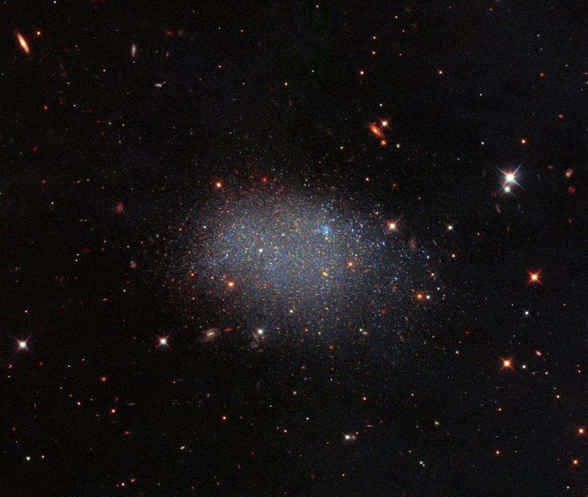 Радиосигналы фиксируют уже в течение определенного времени / Фото ESA/Hubble & NASA, E. Shaya, L. Rizzi, B. Tully et al.