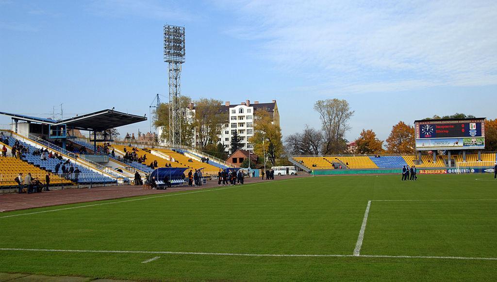 Стадіон Авангард в Ужгороді / фото: stadions.org