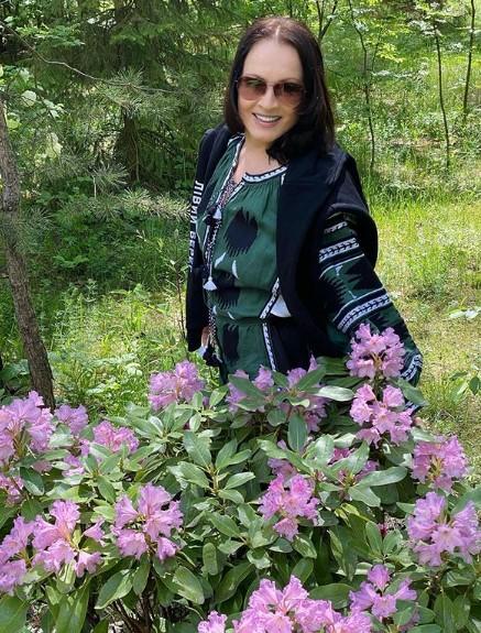 София Ротару в вышиванке / Фото: instagram.com/sofiarotaru.official
