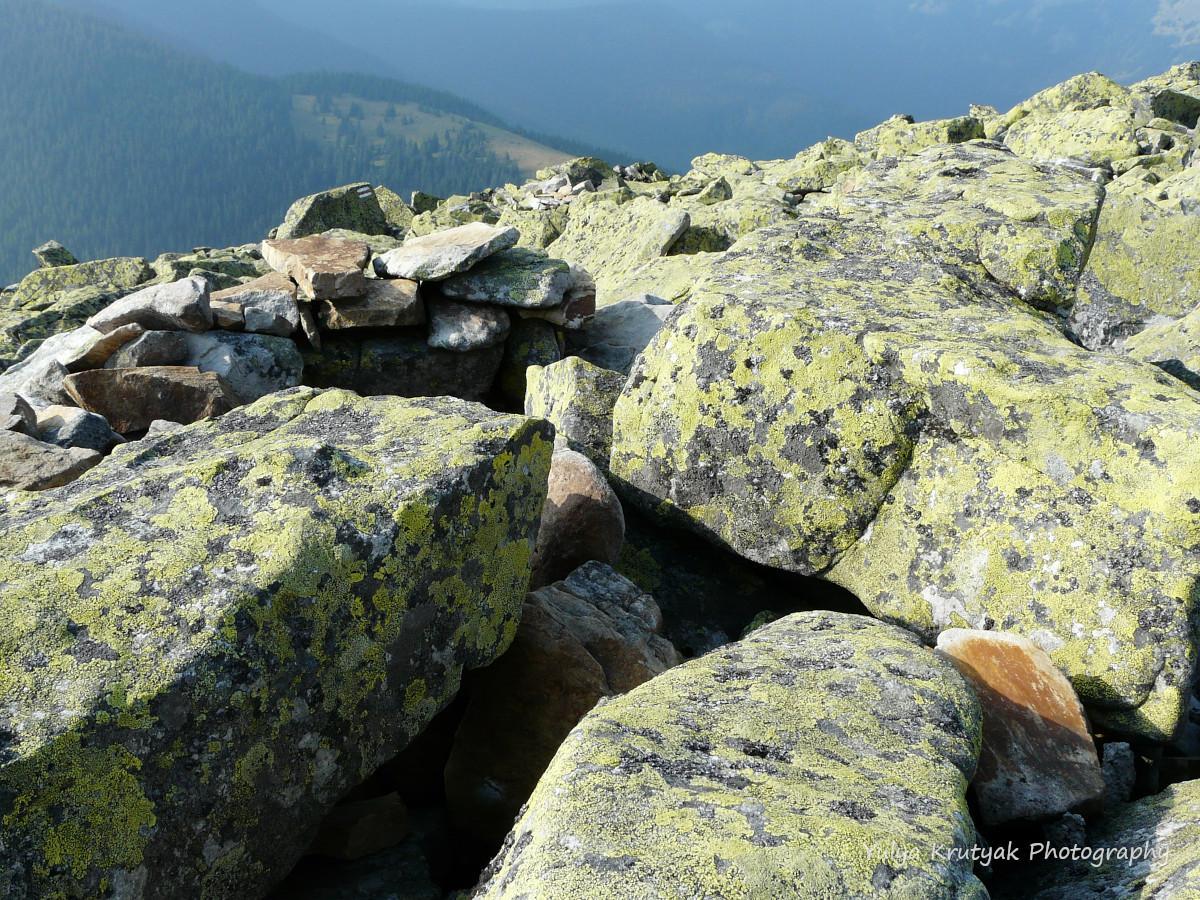 Ґорґанське «космічне каміння» / фото Yulya Krutyak