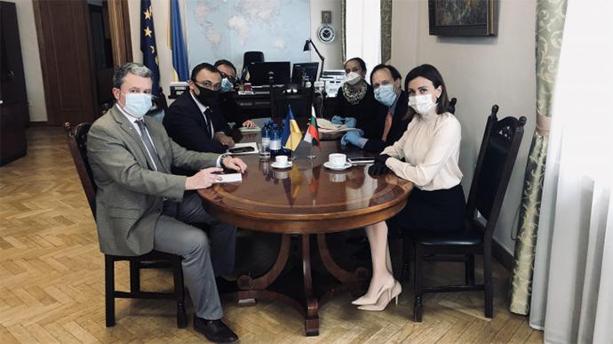 Представники України й Болгарії на зустрічі/ фото mfa.gov.ua