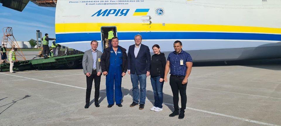 фото facebook/antonov.company