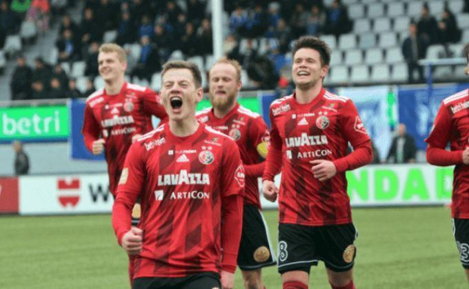 Юстинуссен принес своей команде разгромную победу / фото hb.fo