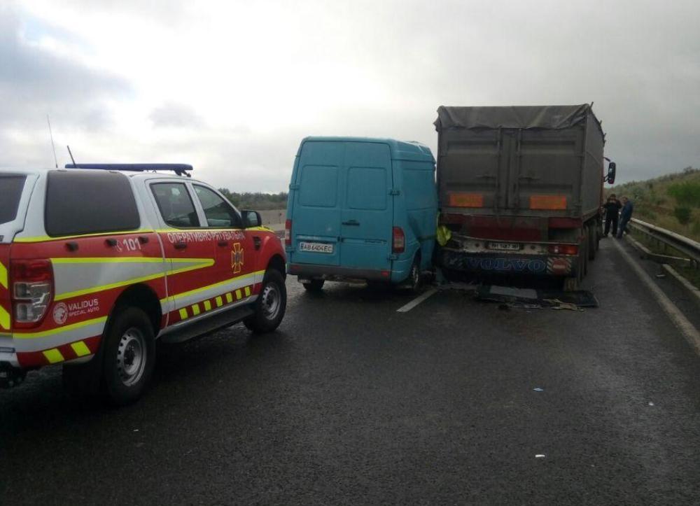 В ДТП погибла пассажирка микроавтобуса / фото ГСЧС