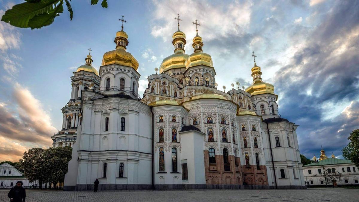Вход в Киево-Печерскую Лавру не охраняют правоохранители/Фото monasteries.org.ua